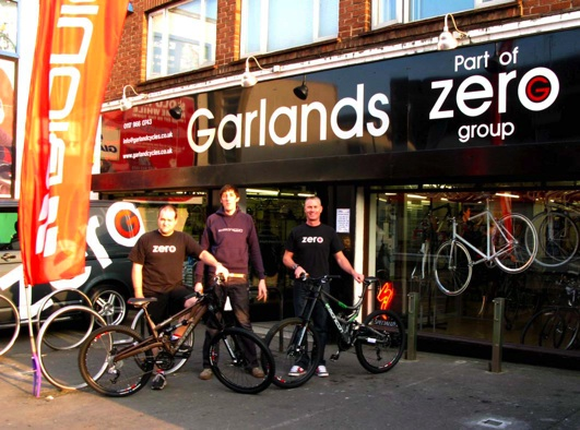 Damon Gould, Manager Zero G Bedminster, Roger Seal, Bionicon Bikes, Paul Newman, Owner Zero G Cycles.