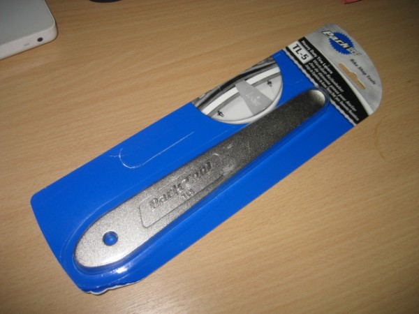 A pair of mahoosive metal tyre levers from Park Tools.