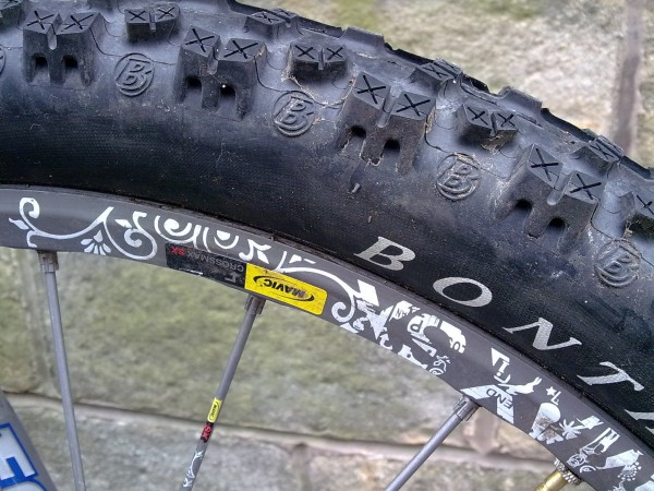 After his usual tortuous umm-ing and ahh-ing, Benji has opted for Bontrager Big Earl 2.35 tyres (running with 125ml of Stans No Tubes sealant on Mavic Crossmax SX wheelset).