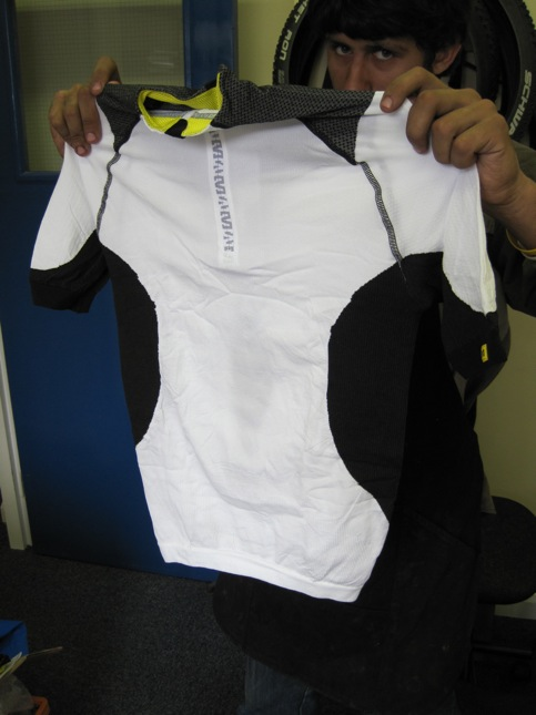 Mavic also do some ladies clothing. Here's the Altium Women Helio Jersey.