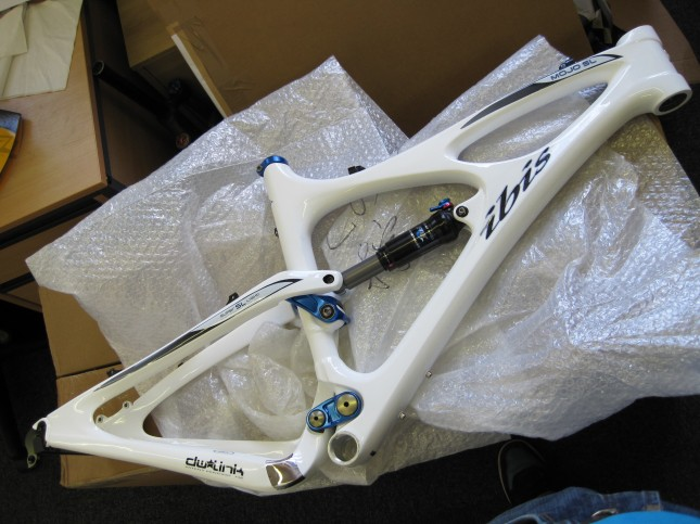 An Ibis Mojo SL for Chipps to build (Ed is keeping hold of the previous Mojo we had).