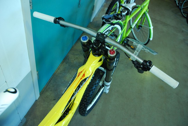 Check out the bars on that! Gravity 777 flat bars.