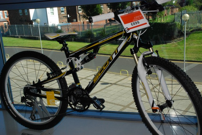 Something for the spoilt brats out there. The Scott Spark RC JR.