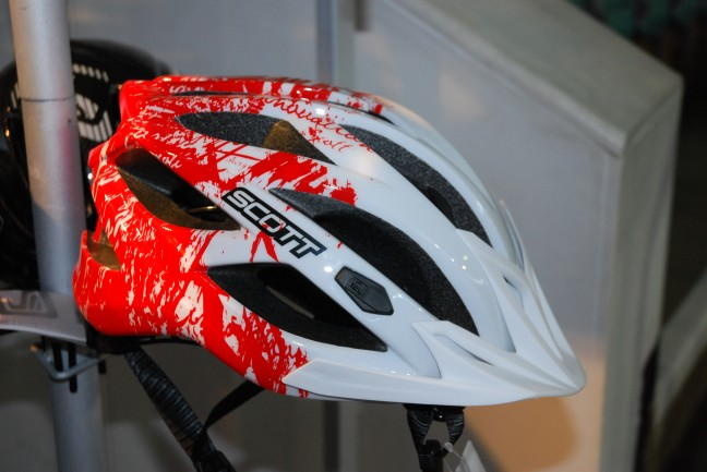 We liked this helmet. Not too XC, not too FR. Just right.