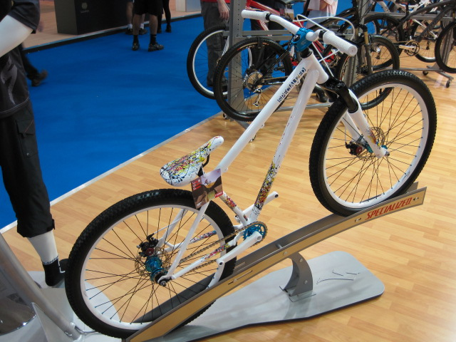 Specialized have their usual behemoth of a stand at the show. Here's their rather sweet dirtjump plaything.