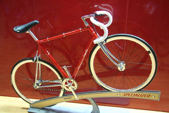 Look at the red, look at the chrome, and the cable clips, it's a pretty Langster.